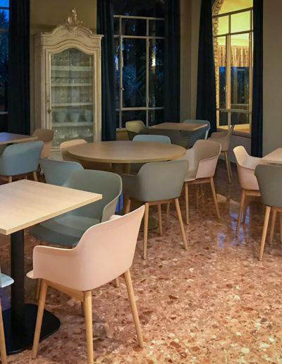 Ripristino sala colazioni hotel a Sirmione mantenendo il pavimento esistente